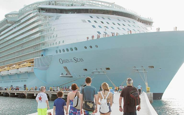 Oasis of the Seas Cruise Ship: Expert Reviews & Passport Information